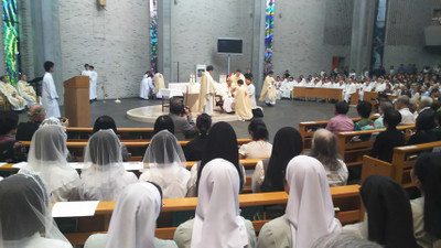 Holy_ordination_2